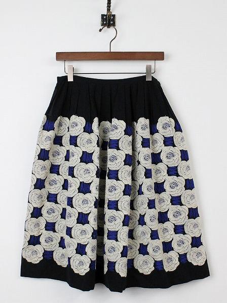 rosas 刺繍スカート